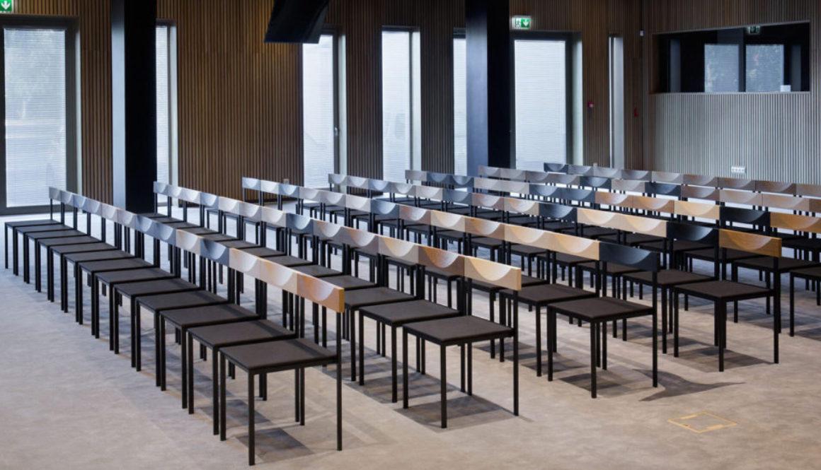kraps-toolid-konverentsiruumis